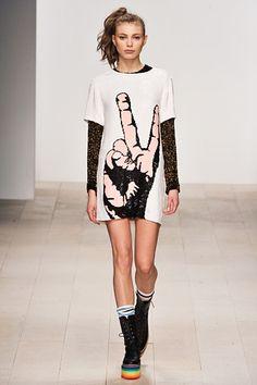Peace. Victory. Fashion. Ashish. London. Fall/Winter 2012. Follow pins and tweets @Giselle Ugarte