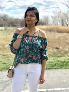 ShopStyle Look by Colormejenny featuring Express Mid Rise Denim Perfect White Jean Leggings and Express Mid Rise White Jean Leggings Simple Outfits, Casual Outfits, Have A Great Monday, Petite Tops, Festival Looks, Girls Night Out, Western Wear, Cute Tops, Skinny Fit