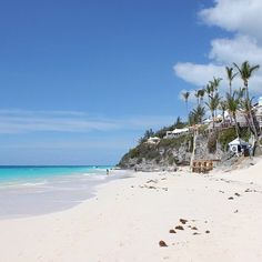 At the Coral Beach Club in #Bermuda. #dispatchfrom senior editor @lindsay_talbot. #takemethere