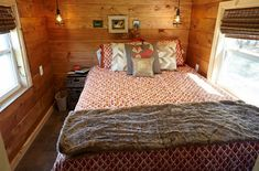 If you've always dreamed of living in a nest, Wind River Tiny Homes has created the perfect tiny house for you! Nomad's Nest is a gooseneck home that's been fully customized down to every tiny perfect detail. Best Tiny House, Tiny House Plans, Tiny House On Wheels, Tiny House Living, Cozy House, Home And Living, Tiny Cabins, Cabins And Cottages, Tiny House Nation