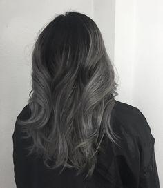 Grey Ombre Hair, Hair Color Dark, Cool Hair Color, Charcoal Hair, Nagellack Trends, Aesthetic Hair, Balayage Hair, Hair Looks, Dyed Hair