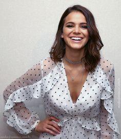 Look do dia: Macaquinho branco de musseline e poas da Bruna Marquezine in Zimmermann Fashion | http://modaefeminices.com.br/2017/02/04/look-do-dia-macaquinho-branco-de-musseline-e-poas-da-bruna-marquezine/
