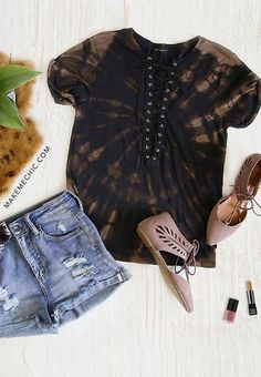 Lace Up Round Neck T-shirt