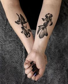 Hand Tattoos for Women . Hand Tattoos for Women . Mini Tattoos, Coy Fish Tattoos, Body Art Tattoos, Small Tattoos, Sleeve Tattoos, Cool Tattoos, Side Hand Tattoos, Hand Tattoos For Women, Tattoo Girls