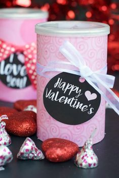 This is a sweet, simple and versatile Valentine's gift idea! It works great for a spouse or kids and you can fill it with anything you want! Wrap a Pringles can in cute paper, fill it with Hugs and Kisses and notes and add this free tag! #valentines #valentintesday Valentine Treats, Valentines Day Party, Valentines Sweets, Valentine Craft, Pringles Can, Creative Gift Wrapping, Easy Crafts For Kids, Kid Crafts, Valentine's Day Diy