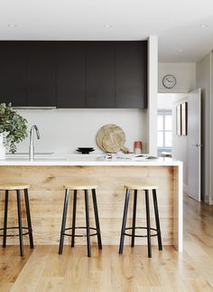 New Kitchen Black Cabinets Cuisine Ideas White Wood Kitchens, Timber Kitchen, Wood Kitchen Island, Wood Kitchen Cabinets, Kitchen Worktop, Black Cabinets, Kitchen Flooring, Kitchen Countertops, New Kitchen