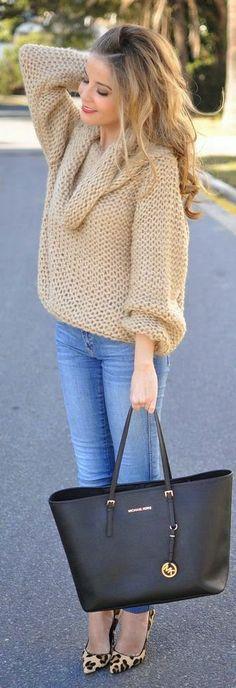 Street style | Oversize knit turtleneck | Michael Kors handbag