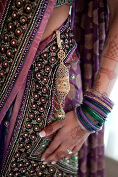 India shaped my mind, anchored my identity, influenced my beliefs, and made me who I am. India matters to me and I would like to matter to India. Bridal Sari, Indian Bridal, Bridal Henna, Indian Attire, Indian Wear, India Fashion, Asian Fashion, Hippie Chic, Indian Dresses