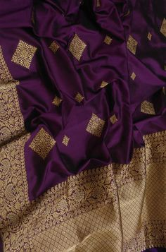 Purple Handloom Banarasi Pure Katan Silk Saree With Sona Roopa Border Kanjivaram Sarees Silk, Blue Silk Saree, Purple Saree, Banarsi Saree, Wedding Silk Saree, Indian Silk Sarees, Pure Silk Sarees, Half Saree Designs, Saree Blouse Neck Designs