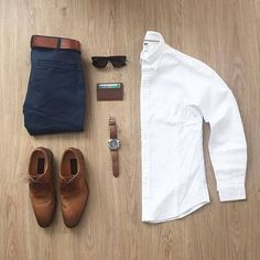 Smart casual is a phrase thrown around a lot in the modern fashion world. It's usually thought of as something you could wear to...