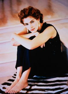 "vintage-old-hollywood: "" non old hollywood: Julia Roberts "" Julia Roberts, Pretty People, Beautiful People, Beautiful Women, Divas, Actrices Hollywood, Jolie Photo, Jane Austen, Famous Faces"