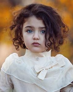 Cute Baby Girl Photos, Cute Little Baby Girl, Cute Kids Pics, Cute Baby Pictures, Boy Photos, Erwarten Baby, World's Cutest Baby, Cute Baby Girl Wallpaper, Cute Babies Photography
