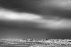 Nieuw in mijn Werk aan de Muur shop: Zwart Wit Strand Storm