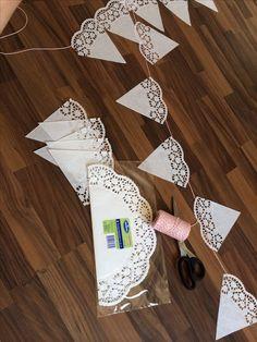 Tortenspitze Girlande - List of the most creative DIY and Crafts Diy Wedding Garland, Diy Garland, Wedding Decorations, Garland Ideas, Diy Food Gifts, Jar Gifts, Rustic Wedding, Our Wedding, Dream Wedding