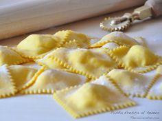 Pasta fresca al huevo No Salt Recipes, My Recipes, Pasta Recipes, Italian Recipes, Cooking Recipes, Ravioli, Pasta Casera, Tapas, European Cuisine