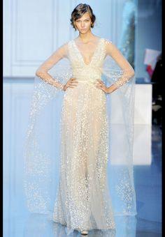 Karlie Kloss au défilé Elie Saab haute couture automne-hiver 2011-2012 http://www.vogue.fr/thevoguelist/elie-saab-1/257#