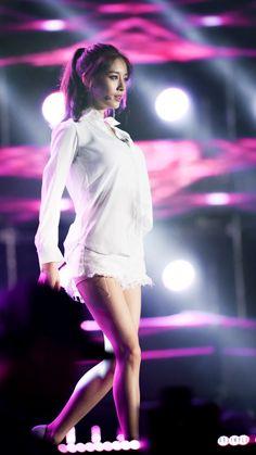 ( *`ω´) ιf you dᎾℕ't lιkє Ꮗhat you sєє❤, plєᎯsє bє kιnd Ꭿℕd just movє ᎯlᎾng. Pretty Korean Girls, Beautiful Asian Girls, Beautiful Models, Park Ji Yeon, Pretty Men, Trends, Asian Woman, Kpop Girls, Asian Beauty