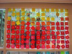 novo brinquedo  pixel de plastico reciclado com ventosa   para criar novas cortinas para as janelas    new toy  pixel of recycled plastic with suction cup  to create new curtains for the windows