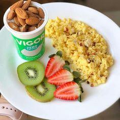 Healthy Meal Prep, Healthy Snacks, Healthy Eating, Healthy Recipes, Healthy Balanced Diet, Breakfast Snacks, Aesthetic Food, Food Inspiration, Love Food