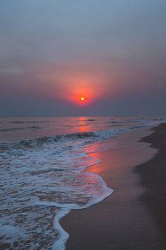 Sunset in the beach – Wallpaper Beach Sunset Wallpaper, Ocean Wallpaper, Nature Wallpaper, Summer Wallpaper, Landscape Wallpaper, Wallpaper Desktop, Animal Wallpaper, Colorful Wallpaper, Flower Wallpaper