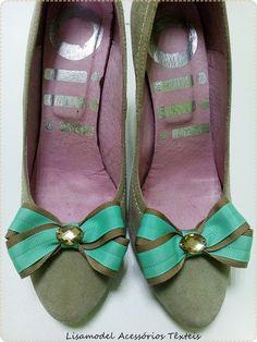 <3 Personalizamos os seus sapatos preferidos <3 Lisamodel Acessórios Têxteis - Comércio de Retrosaria e bijuteria  Morada: Largo da Tojela L6 4795-018 Vila das Aves  Contacto: 935094803 / 252-060715  Email: lisamodeloja@hotmail.com #LojaLisamodel #transformamosOsSeusSapatos #AplicaçãoMadeinPortugal #IloveMyShoes