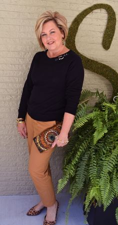 Fashion for women over 40. Black & Brown. Fall fashion outfit. Perfect for women over 40, 50, and older!