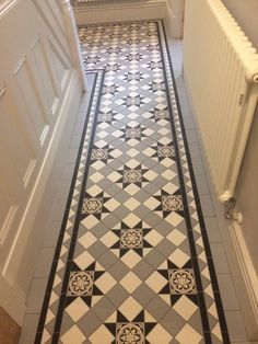 10 Victorian Kitchen Floor Ideas Victorian Kitchen Floor Ideas - 47 victorian small hallway floor ideas in 2019 Victorian kitchen floor red and black quarry 50 Cozy Victorian Small Ha. Victorian Hallway Tiles, Tiled Hallway, Victorian Kitchen, Entry Hallway, Victorian Bedroom Decor, Victorian Flooring, Edwardian Hallway, Victorian Porch, Victorian Townhouse