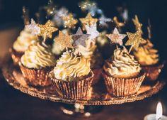 Midnight Love Kathrin Schafbauer http://www.hochzeitswahn.de/hochzeitstrends/midnight-love/ #wedding #tabledecor #sweets