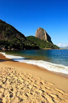 Praia Kittens female tabby kittens for sale Cristo Corcovado, Easy Landscape Paintings, Cities, Exotic Beaches, Beach Wallpaper, Largest Countries, Tourist Places, Beautiful Places To Visit, Travel Goals