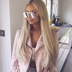 Bleach Blonde, Blonde Wig, Lace Front Wigs, Lace Wigs, Wig Hairstyles, Straight Hairstyles, Sunglasses For Your Face Shape, Versace, Hollywood Hair