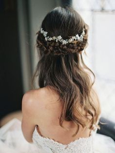 Coiffure mariage : Enchanted Atelier by Liv Hart Bridal Accessories  2016 Collection  Wedding Sparrow | Best Wedding Blog | Wedding Ideas