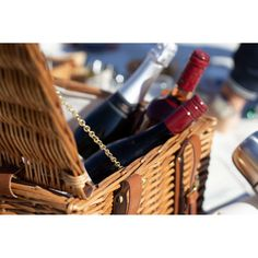 Did you know we can provide picnic baskets with food? This helps you have fun and joy with your family and friends without having to worry about the picnic Luxury Hampers, Hamper Ideas, Wicker Picnic Basket, Christmas Baskets, Pick And Mix, Beach Picnic, Food Shows, Outdoor Events, Gift Store
