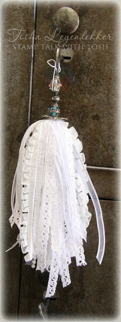 Really Reasonable Ribbon's Ramblings!: Really Reasonable Ribbon Tassel Tutorial. I would change the top to a pearl and crystal to make it more shabby chic. Diy Tassel, Tassel Jewelry, Tassle Garland, Diy Ribbon, Ribbon Crafts, Shabby Chic Crafts, Passementerie, Rosettes, Fabric Flowers
