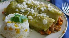 Picadillo Stuffed Green Enchiladas - A cinco de Mayo Favorite! Mexican Food Recipes, Dinner Recipes, Healthy Recipes, Mexican Meals, Spanish Recipes, Mexican Dishes, Dinner Ideas, Freeze Ahead Meals, Quick Meals