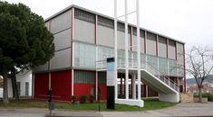 Spanish Pavilion at the 1937 Universal Exhibition in Paris. replica in Barcelona) Expo Paris, Barcelona, Le Corbusier, Interior Architecture, Spanish, Decoration, Outdoor Decor, Interiors, Studio