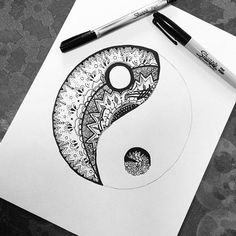 idea - ying yang for zentangle practice I use Sharpies and I love the depth and color. I think that I could Zentangle all day and never grow tired! Ying Y Yang, Et Tattoo, Sharpie Art, Black Sharpie, Sharpies, Sharpie Markers, Zentangle Patterns, Zentangles, Zentangle Drawings