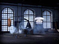 """Philippe Starck: """" Ho visto un bellissimo lampadario Baccarat. Semplice e così normale! Improvvisamente ha cominciato a piovere. Che strano! Il lampadario ha aperto un grande ombrello bianco scivolando verso il cielo. Ho chiesto """"Come è possibile?"""" E lampadario mi ha risposto: """"Perché io sono Marie Coquine, e perché tutto è possibile in un sogno""""."""