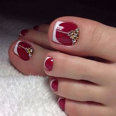 French pedicure designs toes beautiful Ideas for 2019 Pretty Toe Nails, Cute Toe Nails, Fancy Nails, Trendy Nails, My Nails, Pedicure Nail Designs, Pedicure Nail Art, Toe Nail Designs, Toe Nail Art