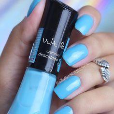 Esmalte de hoje: Descolada da @vult_cosmetica  Vende na @arcoiriscosmeticos - cupom de desconto COISASDEJESSICA