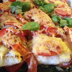 Een super slanke ovenschotel met schelvis, tomaten en spinazie. Een heerlijk voedselzandloper recept.