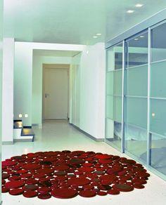 Luxury Leather Carpets From Pachamama. Decorando el centro de nuestros espacios con el elemento tierra, fortaleciendo y equilibrando el bienestar del Ser.