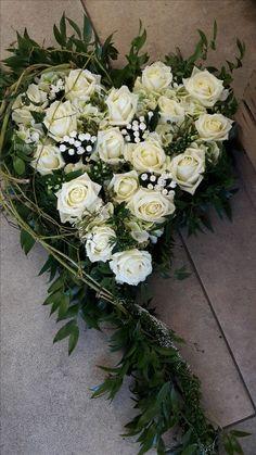 Fall Flowers, Fresh Flowers, Wedding Flowers, Funeral Flower Arrangements, Funeral Flowers, Grave Decorations, Memorial Flowers, Beautiful Red Roses, Red Rose Flower