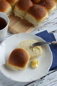 ...konyhán innen - kerten túl...: Witte bollen - Holland zsemlék Bread And Pastries, Bread Rolls, Hot Dog Buns, Bread Recipes, Food And Drink, Breakfast, Bead, Decorations, Dekoration