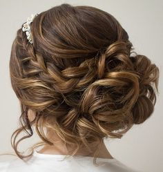 Gorgeous updo wedding hairstyles,chic updo hairstyle ideas,bridal updo hairstyles,braided updo hairstyles,updos,braid updo hairstyles,messy bridal updo hairstyles