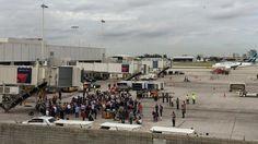 (EN VIVO) EE.UU.: Tiroteo en aeropuerto de Fort Lauderdale deja 5 muertos - http://www.esnoticiaveracruz.com/en-vivo-ee-uu-tiroteo-en-aeropuerto-de-fort-lauderdale-deja-5-muertos/
