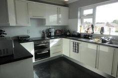 2 bedroom flat for sale in Dairyground Road, Bramhall, Stockport SK7 - 16464975
