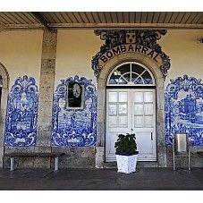 Painéis de azulejo da Estação de Caminhos de Ferro >> Bombarral » saiba mais ...
