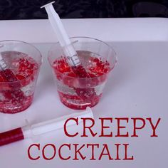 Creepy Delicious Halloween Cocktail creepy food for halloween Halloween Cocktails, Halloween Desserts, Halloween Drinks Kids, Recetas Halloween, Halloween Food For Party, Easy Halloween, Halloween Treats, Halloween Decorations, Halloween Jello Shots