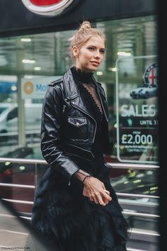 LFW-London_Fashion_Week_Fall_16-Street_Style-Collage_Vintage-Elena_Perminova-Total_Black-Leather_Biker_Jacket-1