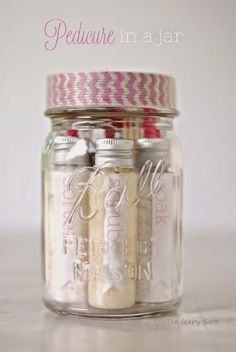 Mom, Lyndsey and Aunt Laurie! 10+ Mason Jar Christmas Gift Ideas to make and buy on MumsMakeLists.com